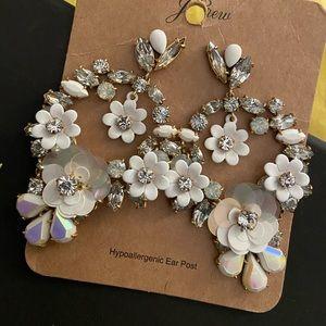 🔥 NWT Blooming Sequins Floral Wreath Earrings